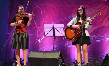 """FOTO-VIDEO: Câștigătorii Festivalului Concurs de Muzică Folk """"Ziua de Mâine"""" de la Alba Iulia. Trupa""""Folk Two"""", câștigătoarea ediției a XII-a"""