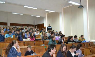 FOTO: Acțiune de informare și educare a elevilor din Cugir și Abrud