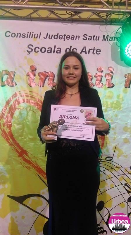 """FOTO: Un nou premiu pentru Alba la Festivalul- Concurs Internaţional """"Muzica Inimii Mele"""": Adelina Bunea, cursantă a Şcolii de Arte din cadrul Centrului de Cultură """"Augustin Bena"""", a câştigat trofeul festivalului"""