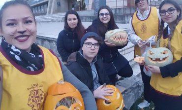 FOTO: Holloween cu cei de la Clubul Leo Alba Iulia Fortress. Acțiune de strângere de bani pentru un caz umanitar