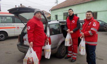 FOTO: Peste 200 de familii din Alba au beneficiat de pachete cu alimente