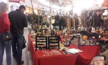 FOTO: Ofertă bogată la Târgul de Sfântul Nicolae, din Alba Mall