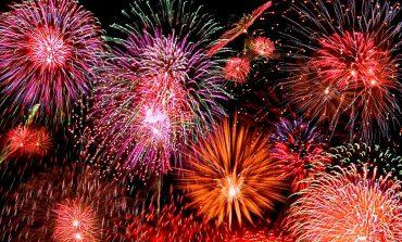 Revelion 2017, la Sebeş: Spectacol de artificii şi calendare cadou, în parcul din faţa primăriei