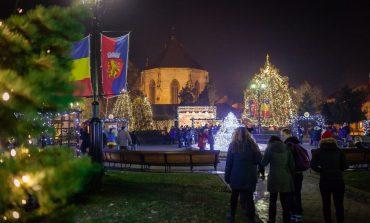 FOTO: Magia Crăciunului a cuprins Sebeșul. Iluminatul de sărbători a fost aprins marți seara