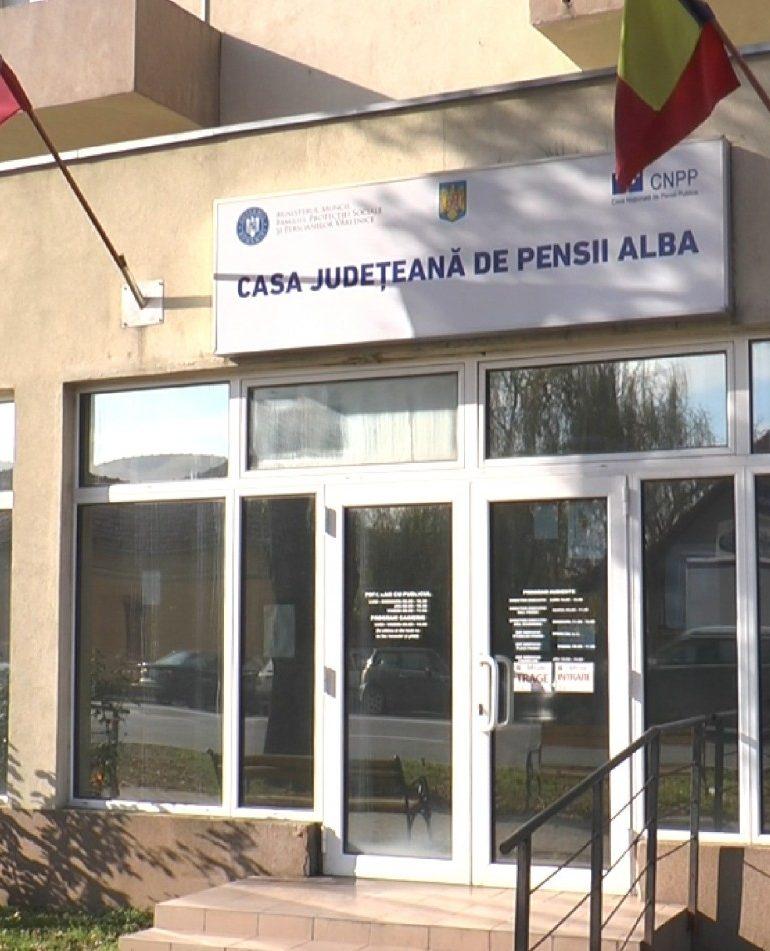 Pensionarii din Alba vor primi pensiile cu două zile mai repede decât de obicei