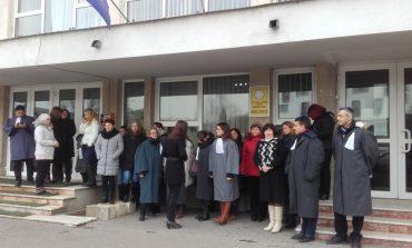 Noi proteste ale personalului auxiliar de la Tribunalul Alba și Judecătoria Alba Iulia