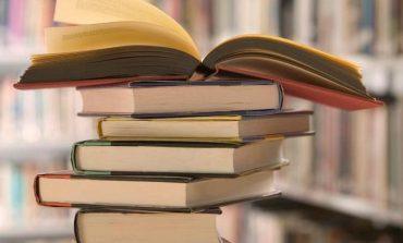 """Marţi: Caravana literară a Bibliotecii Județene ,,Lucian Blaga"""" Alba îl omagiază pe Mihai Eminescu la Școala Gimnazială din Ighiel"""