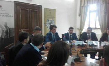 FOTO: Dezbaterea la UAB cu reprezentanţi ai Guvernului şi autorităţi locale, pentru Centenarul Marii Uniri. Se solicită finanţarea proiectelor pentru această sărbătoare
