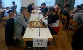 FOTO: Evoluţie excelentă a juniorului albaiulian Mihnea Costachi, în prima parte a Openului Internaţional de şah de la Graz