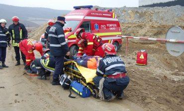 Tragedie pe șantierul Autostrăzii Sebeș-Turda: Un tânăr de 28 de ani şi-a pierdut viaţa după ce a fost lovit de un utilaj