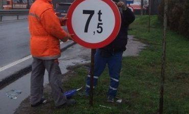 Restricţii de circulaţie pentru vehiculele cu masa mai mare de 7,5 tone, între Galda de Jos şi Șard