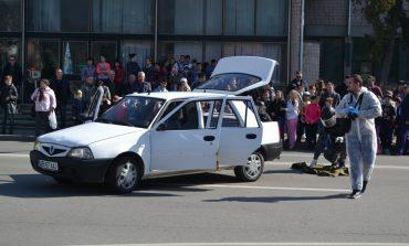 """FOTO-VIDEO: """"La mulţi ani Poliţiei Române"""". Porţi deschise la IPJ Alba şi exerciţiu demonstrativ în stradă"""