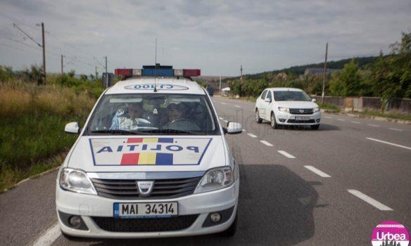 Accident rutier pe DN1, în zona Cunţa: O femeie a fost rănită după ce s-a răsturnat cu maşina pe şosea