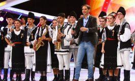 """FOTO: Ansamblul """"Tradiții Uiorene"""" Ocna Mureș au dus dansul şi tradiţiile româneşti la rang de artă și au câștigat bilet spre marea finală la Next Star"""