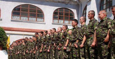 """VINERI: Batalionul 136 Geniu """"Apulum"""" împlineşte 80 de ani de la înfiinţare. Ceremonii militare în Piaţa Tricolorului"""