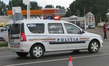 Accident la Alba Iulia: O persoană a fost rănită după ce o mașină s-a izbit de un gard de beton, pe Bulevardul Încoronării
