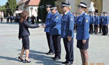 FOTO: Şase cadre ale Jandarmeriei Alba, avansate în grad de Ziua Jandarmeriei Române