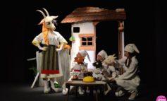 """FOTO: Spectacolul """"Capra cu trei iezi"""", prezentat în premieră de Teatrul de Păpuși """"Prichindel"""" din Alba Iulia"""