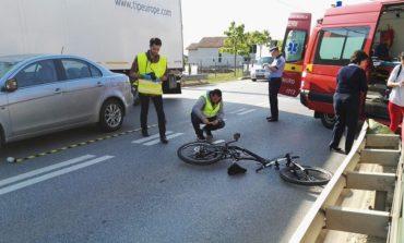 (UPDATE) Accident între Alba Iulia şi Miceşti: Un biciclist a fost acroşat de o maşină