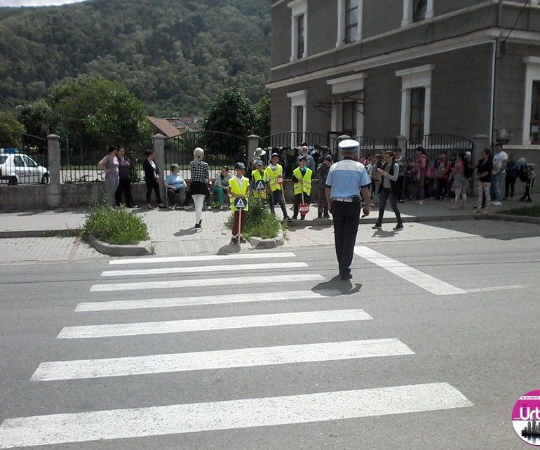 Şi în acest an, poliţiştii din Alba au pregătit surprize pentru copii, cu ocazia zilei de 1 iunie. PROGRAM