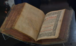FOTO-VIDEO: Colecție de predici din secolul al XVI-lea, exponatul lunii mai, la Muzeul Naţional Unirii din Alba Iulia