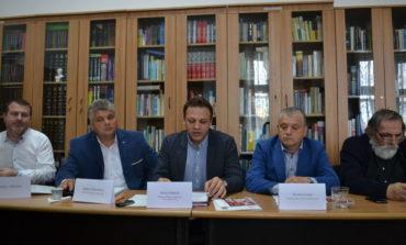 """FOTO-VIDEO: Noul manager al Bibliotecii Județene """"Lucian Blaga"""" Alba, Silvan Stâncel și-a prezentat programul minimal 2017"""