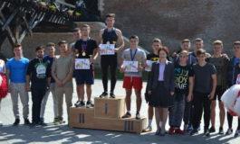 """FOTO-VIDEO: Zeci de liceeni din Alba Iulia au alergat la Crosul """"Liga tineretului"""", organizat de Colegiului Naţional Militar ,,Mihai Viteazul"""". Câştigătorii"""