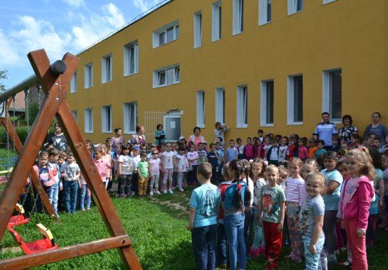 """FOTO: Activități de 1 Iunie la Grădinița """"Primii Pași"""" din Aiud, organizate de IPJ Alba"""