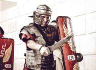 """FOTO: Ben Southall, câştigătorul """"celui mai bun job din lume"""", legionar român la Alba Iulia"""
