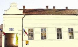 """BiblioVacanța continuă în luna august la Biblioteca Județeană """"Lucian Blaga"""" Alba: Lecturi, vizionări de filme ecranizate după scriitori celebri, ateliere creative și ateliere muzicale"""