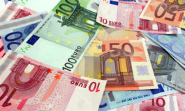 Euro poate încheia săptămâna sub 4,55 lei