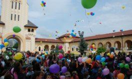 1 IUNIE: Ziua Copilului în culori, la Alba Iulia. Flash mob cu peste 1500 de copii şi baloane colorate îndreptate spre cer
