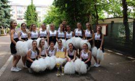 """FOTO: """"Cupa majoretelor"""", la Colegiul Militar """"Mihai Viteazul"""" din Alba Iulia. Fetele din clasele a X-a au fost câştigătoare"""