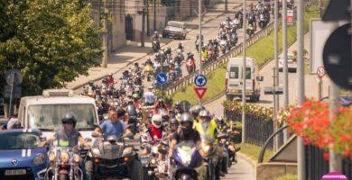FOTO: Peste 500 de motociclişti au turat motoarele sâmbătă, la Bikers Party Alba Iulia 2017
