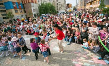 FOTO: Surprize şi multă veselie la Sebeş, de Ziua Internaţională a Copilului