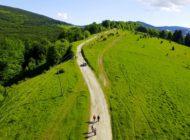 """FOTO: A fost semnat primul contract de finanțare pentru reabilitarea drumurilor județene prin POR 2014-2020. Prin """"Transalpina de Apuseni"""", Țara Moților va avea o nouă și modernă legătură cu rețeaua rutieră europeană"""