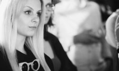"""(INTERVIU) Alexandra Crăciun, tânăra care practică meseria de barman la Alba Iulia: """"A fi barman nu este o meserie, este o pasiune altruistă pentru oaspeţi"""""""