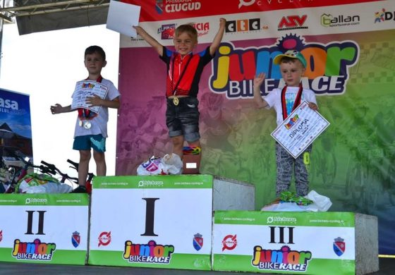 """FOTO: """"Junior Bike Race"""" 2017. Peste 230 de copii s-au întrecut pe trasee de mountain-bike, la Ciugud"""