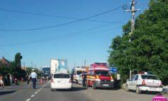 Accident la intrare în Vințu de Jos: O persoană rănită după ce două maşini s-au lovit