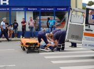 FOTO-VIDEO: Accident la Alba Iulia. Un bărbat a fost lovit pe trecerea de pietoni