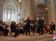 """FOTO-VIDEO: Momente pline de emoție, la """"Dialogul Viorilor"""" de la Alba Iulia. Concert de excepție al Orchestrei de Cameră """"Augustin Bena"""", la Catedrala Romano-catolică"""