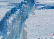 Un AISBERG GIGANT de 6.000 de km² s-a desprins din calota glaciară a Antarcticii. Este de 26 de ori mai mare decât Bucureştiul