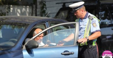 Acţiune pentru siguranţa rutieră a poliţiştilor din Alba: Zeci de maşini şi persoane, verificate, la Abrud, Baia de Arieş şi Vinţu de Jos
