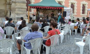"""FOTO-VIDEO: Ateliere pentru copii, spectacol de dansuri, cântece și teatru în prima zi a Festivalului """"Zilele Medievale ale Bălgradului"""", de la Alba Iulia. Programul pentru duminică"""