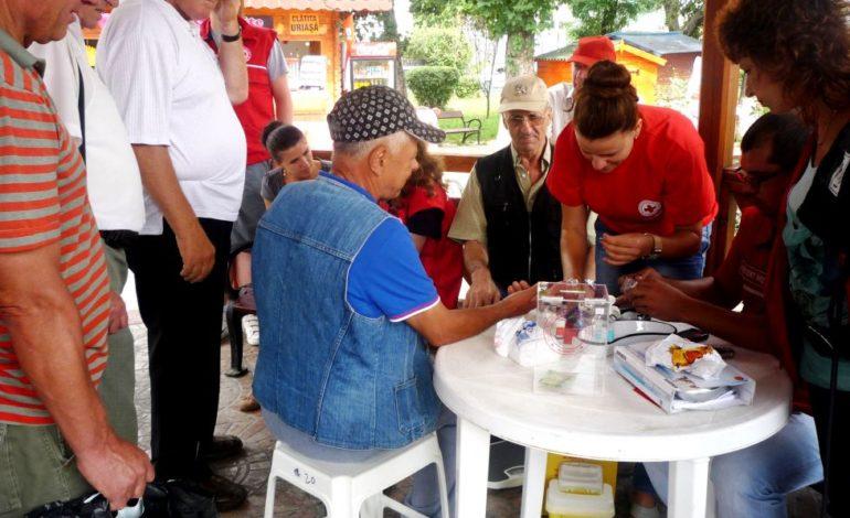 Crucea Roşie Română Filiala Alba: Peste 2.000 de persoane s-au adresat punctelor de prim-ajutor, pe timp de caniculă