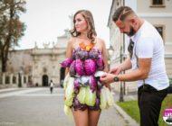 """30 septembrie: """"Vogue Food Fashion by Toma"""", la Alba Iulia. Prezentare de haine din legume, fructe, carne și desert, în Spaţiile Ryma"""