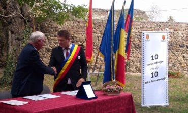FOTO: Primarii din Sebeș și Budingen au semnat, în mod simbolic, prelungirea protocolului de înfrățire înființat acum un deceniu între cele două localități