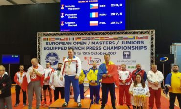 FOTO: Doi sportivi legitimați la CS Unirea Alba Iulia – Ovidiu Pănăzan și Laurențiu Avram – medaliați cu argint la Campionatele Europene de Powerlifting