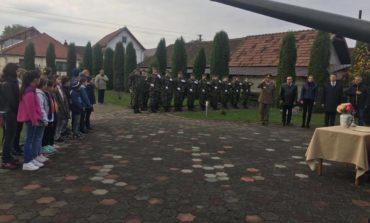 FOTO: Autorităţile publice locale din Municipiul Sebeş au organizat miercuri, o serie de manifestări dedicate Zilei Armatei Române