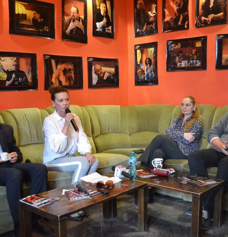 """Festivalul Internațional de Teatru """"Povești"""" de la Alba Iulia a primit PREMIUL SPECIAL în cadrul Galei Premiilor UNITER 2018"""